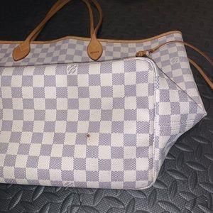 Louis Vuitton Bags - AUTHENTIC Louis Vuitton Neverfull GM w/ insert!!